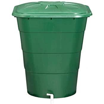 Bidones contenedores de agua y nutrientes en el riego de plantas